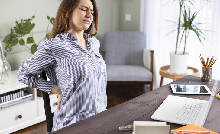 Sırt ağrıları tarihe karışıyor! Evde yapabileceğiniz bu egzersizler sayesinde...