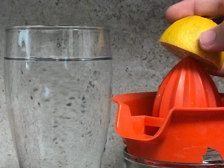"""""""1 hafta boyunca her sabah limonlu su içtim ve işte sonuçları"""""""