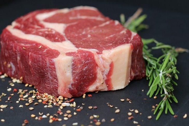 Et yemeyi sevenlerin dikkatine! Bu hastalıklara yakalanmamak için...