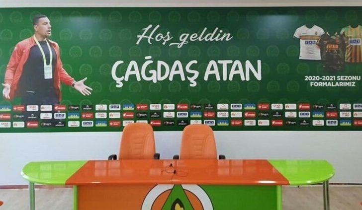 Aytemiz Alanyaspor'un yeni teknik patronu Çağdaş Atan oldu