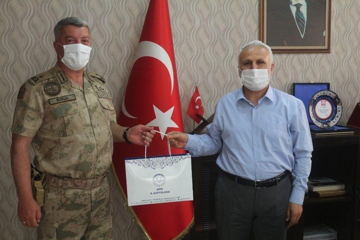 İl Jandarma Komutanı Özkul'dan Müftü Topçu'ya veda ziyareti