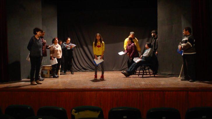 Türkiye'de Tiyatrolar Ayakta Kalmaya Çalışıyor