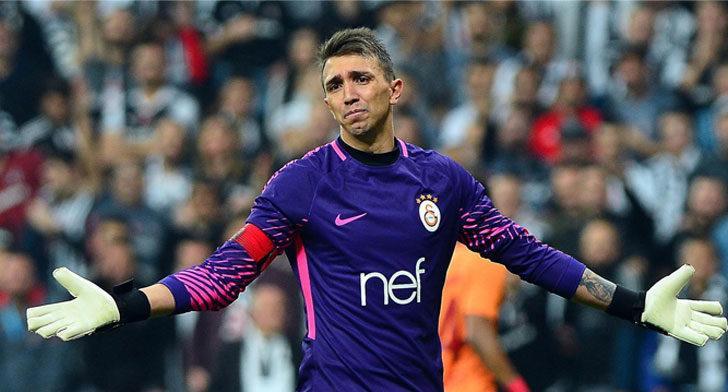 Galatasaray'da Muslera'nın yerine Fatih Öztürk geliyor!