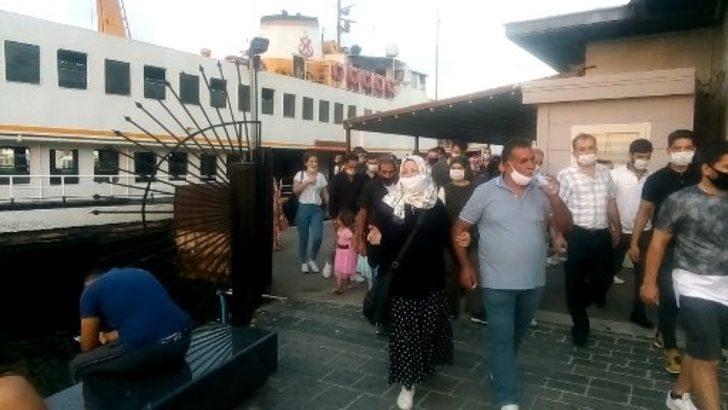 İstanbul Şehir Hatları vapurunun motor dairesinde korkutan yangın