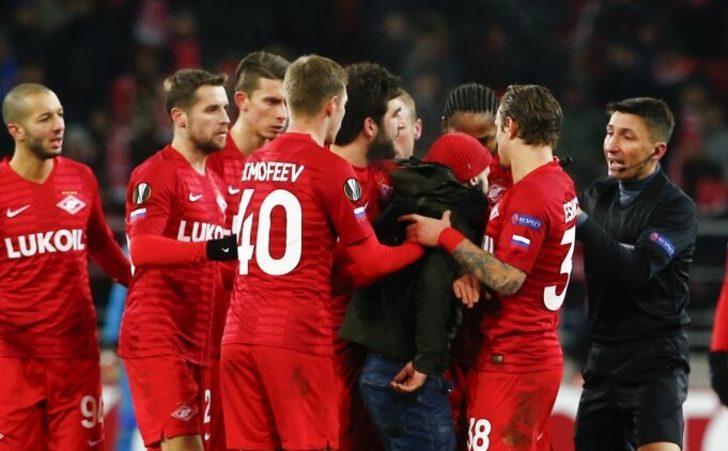 Rus futbolu ilk hafta karıştı: Spartak, ligden çekildi