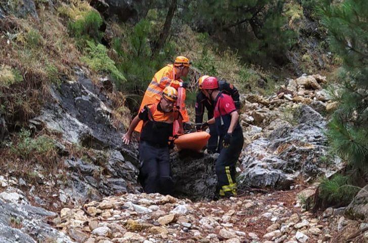 Ada çayı toplarken kayalıklardan düşen yaşlı kadın öldü