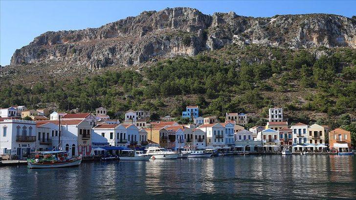 Meis Adası nerede? Meis Adası Türkiye'ye kaç km? Meis Adası kimin? İşte Meis Adası son durum!