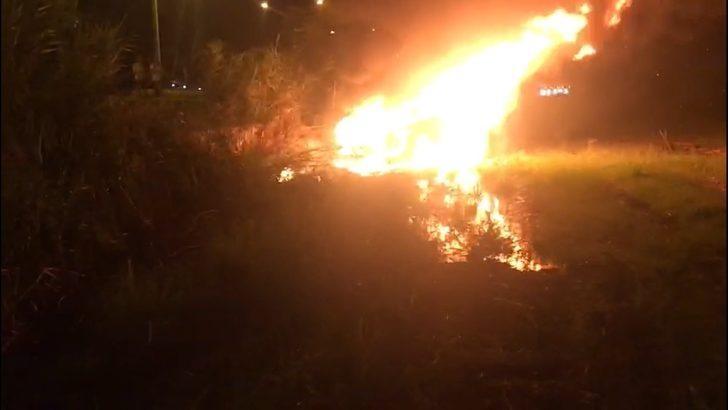 Kaza yapan araç alev aldı, sürücüsü yanarak can verdi