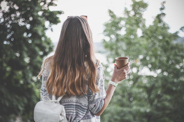 3 adımda kahveyle saç bakımı! Parlatıyor, güçlendiriyor, boya etkisi gösteriyor...