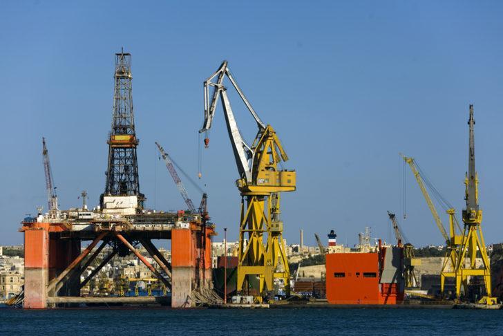 Brent petrolün varili 63,33 dolar oldu