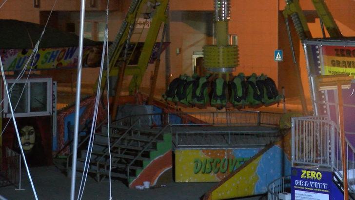 İzmir'deki lunaparkta eğlence halatı koptu: 3 yaralı