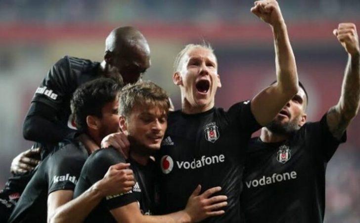 Beşiktaş'ta Adem Ljajic Fenerbahçe derbisine hazırlanıyor
