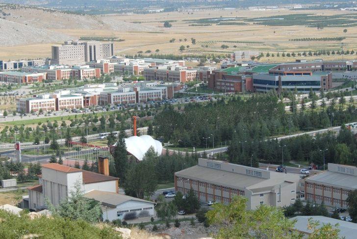 Süleyman Demirel Üniversitesi karma eğitim yöntemiyle açılacak
