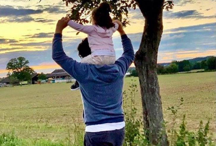 Tarkan, kızı Liya ile doğa yürüyüşü yaptı