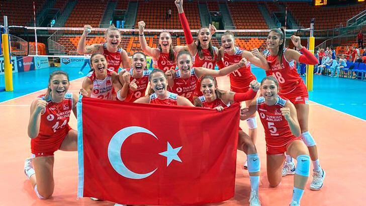 19 Yaş Altı Genç Kız Voleybol Milli Takımı, finalde Sırbistan'ı 3-2 mağlup ederek Avrupa Şampiyonu oldu