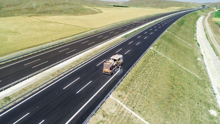 Türkiye'nin en akıllı yolu Ankara-Niğde Otoyolu açıldı! İşte özellikleri