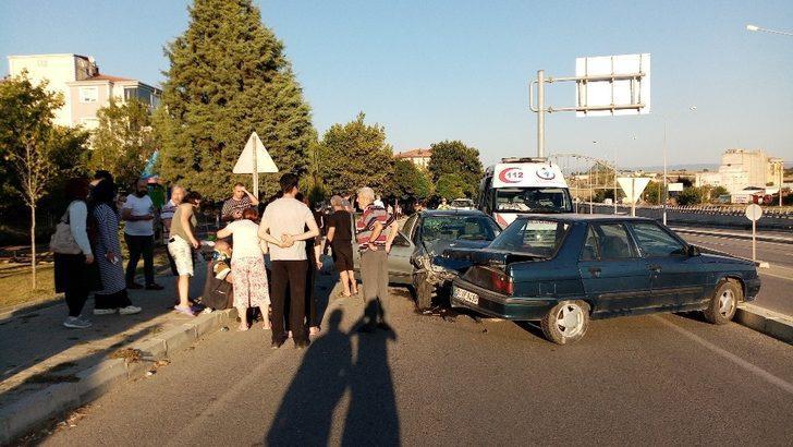 Tekirdağ'da alkollü sürücü duran araca çarptı: 2 yaralı