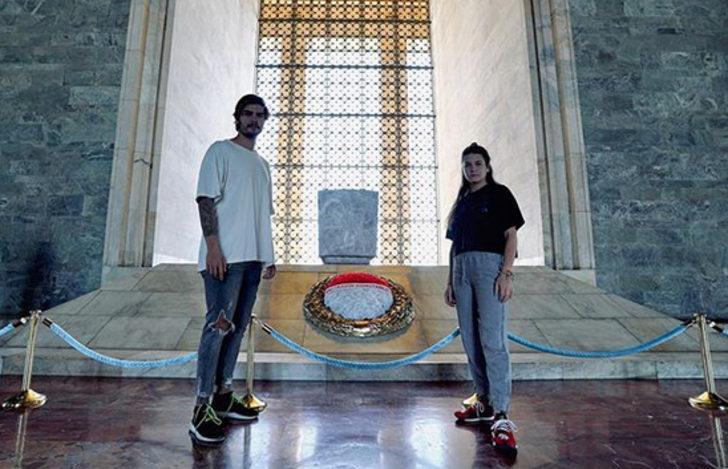 Nisa Bölükbaşı ve Barış Murat Yağcı'dan Anıtkabir paylaşımları