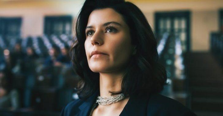 Netflix'ten Atiye 2. sezon için flaş karar! Beren Saat için yayın günü geleneğini bozdu! Atiye ne zaman yayınlanacak?