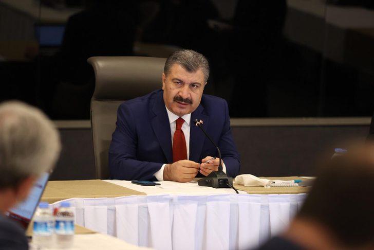 Sağlık Bakanı Koca, İstanbul'da salgının seyriyle ilgili toplantı yaptı