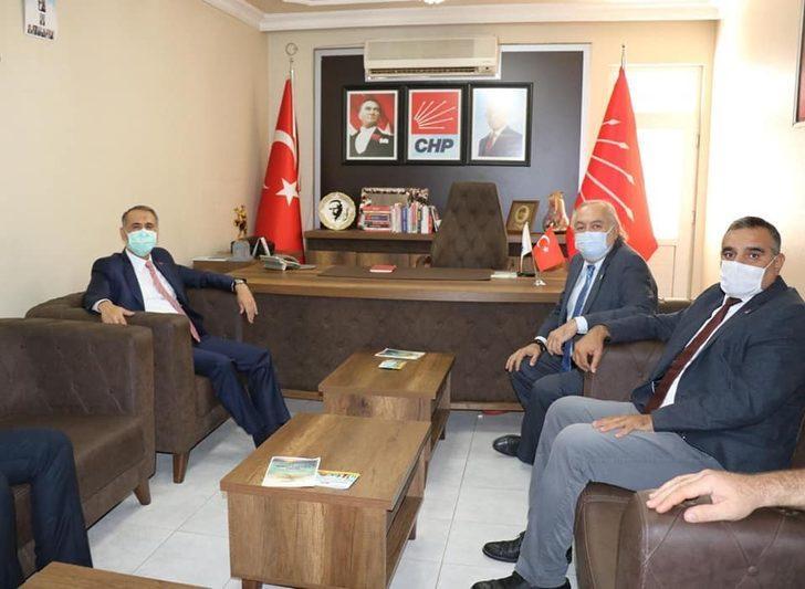 Vali Çuhadar'dan CHP'ye ziyaret