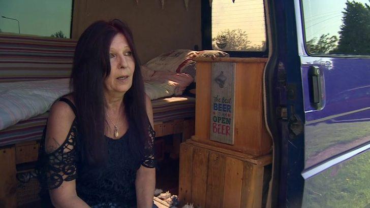 İngiltere'de evsizlik krizi: '59 yaşındayım, 4 torunum var, karavanda yaşamak dışında seçeneğim yok'
