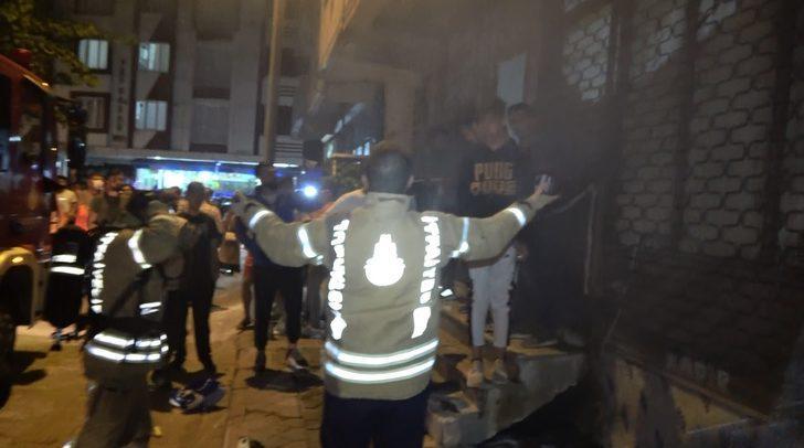Mahalleli sokağa döküldü! İtfaiye ekipleri isyan etti