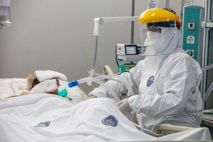 Koronavirüs hastalarını 30 santimlik hortum hayatta tutuyor