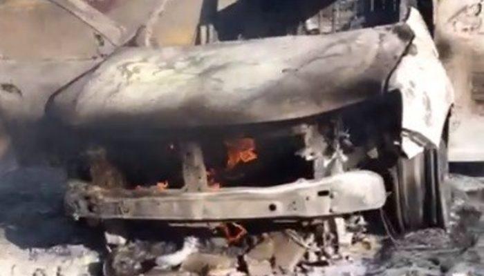 Elazığ'da cip yanarak kül oldu thumbnail