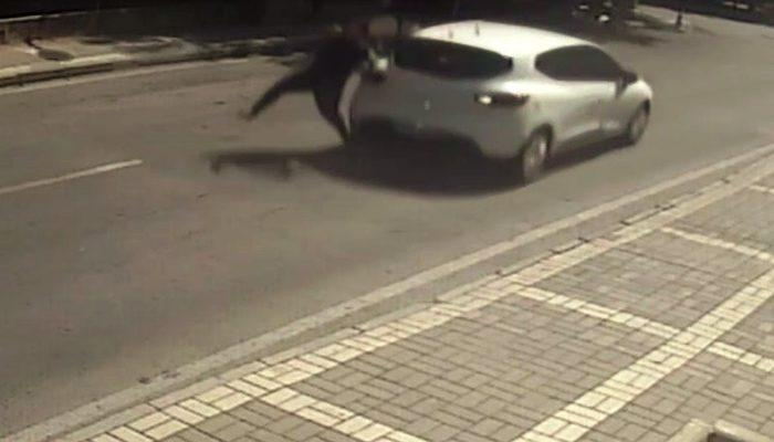 Müşterisine yemek götüren kadın, geri gelen aracın çarpması sonucu yaralandı thumbnail