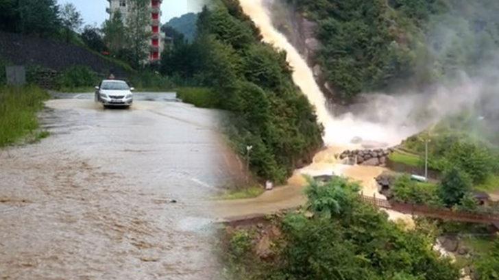 Artvin'de şiddetli yağışlar karayolunu trafiğe kapadı!