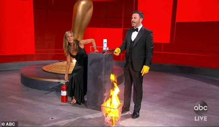 72. Emmy Ödül Töreni'ne Jennifer Aniston damga vurdu!