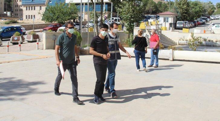 Önce güvenlik kamerasına sonra  polise yakalanan hırsızlık şüphelisi tutuklandı