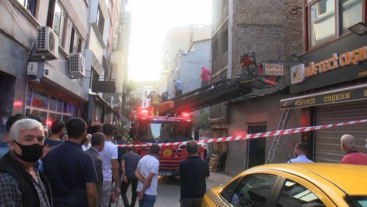 Beyoğlu'nda hareketli anlar! Çatıdan düşen kadın ağır yaralandı