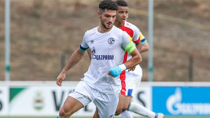Schalke 04'ten Kerim Çalhanoğlu'na profesyonel mukavele