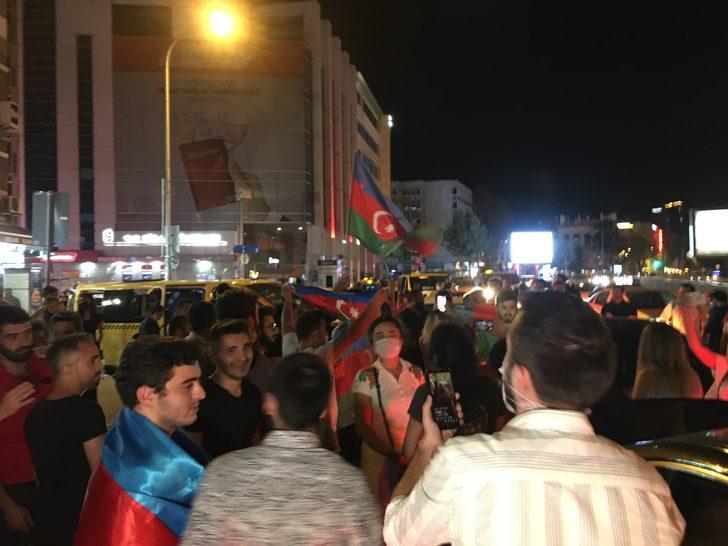 Kadıköy'de Azerbaycan'a destek gösterisi