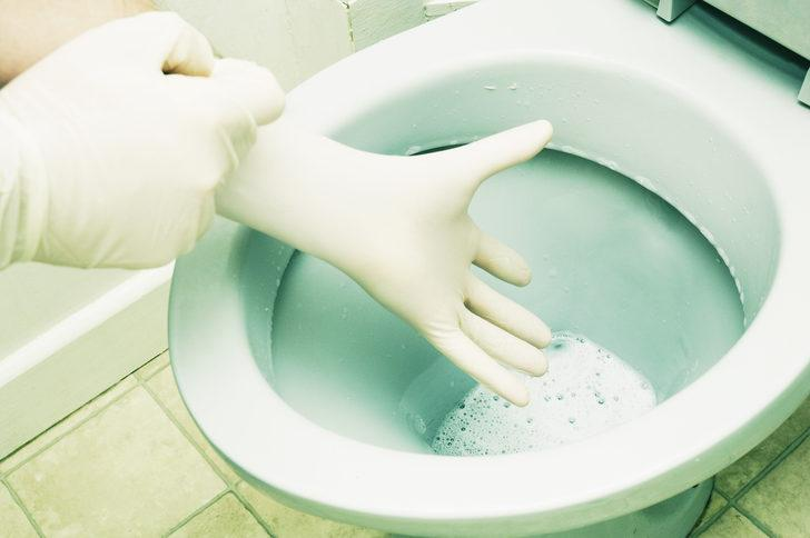 Herkes bu yöntemi konuşuyor! Geceleri tuvalete bir diş sarımsak koyun