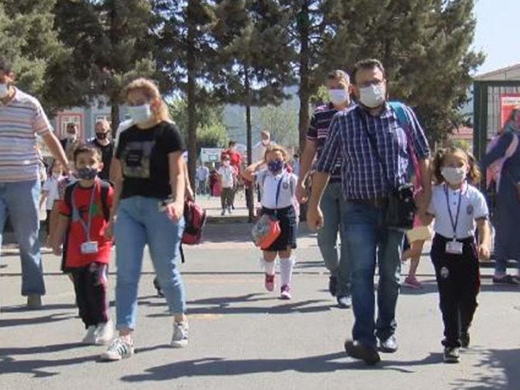 İstanbul'da servis çıkmazı! Çocukları okula veliler götürüyor