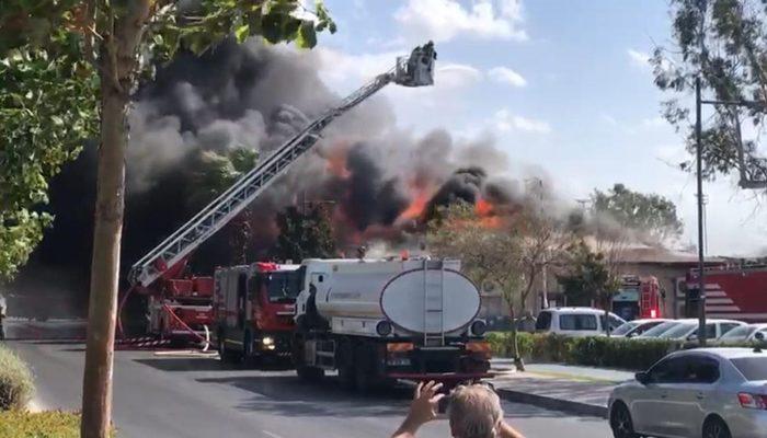İzmir'in Karşıyaka ilçesinde korkutan yangın! Çok sayıda ekip sevk edildi thumbnail