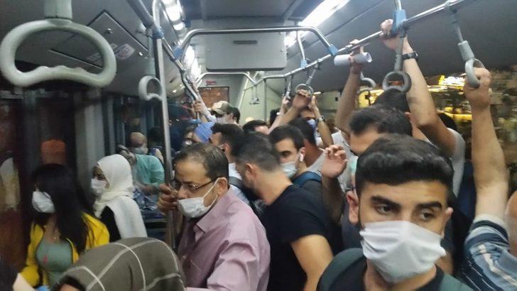 Koronavirüs önlemleri hiçe sayıldı! Taksim otobüsünde tıklım tıklım yolculuk