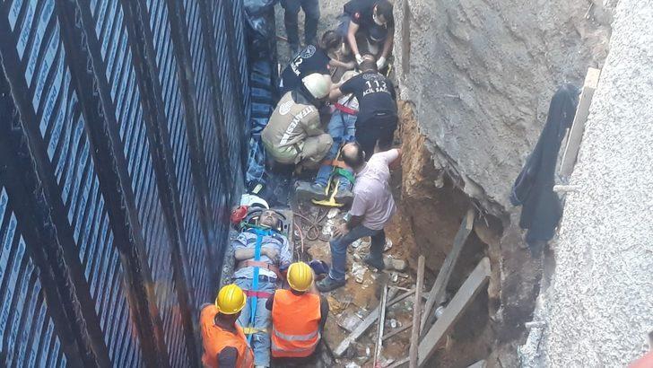 Kadıköy'de inşaatta iskele çöktü: 3 yaralı