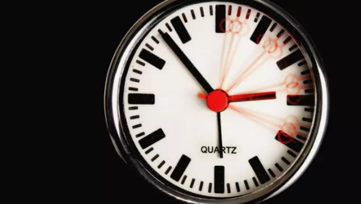 Zamanda yolculuk yapmak matematiksel olarak mümkün