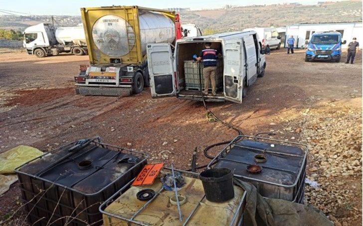Akaryakıt tankerlerinden yakıt çalarken suçüstü yakalandılar