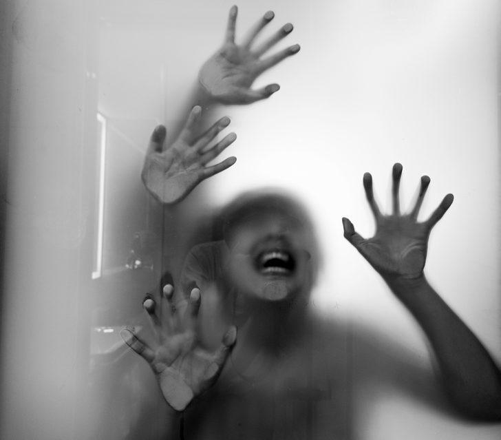 Fransa'da kızına tecavüz eden babaya 16 yıl, sessiz kalan anneye de 4 yıl hapis