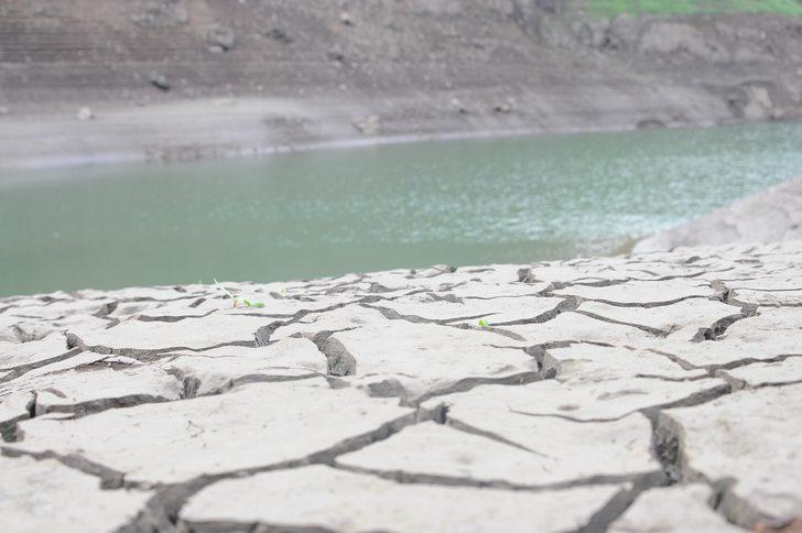 Bir kentin ihtiyacını karşılıyordu! Barajdaki su çekilince ortaya çıktı