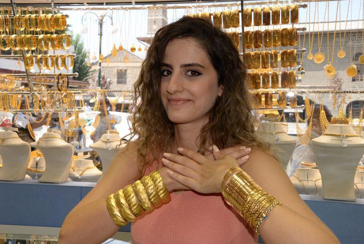 Düğün sahipleri şok oluyor! Altın fiyatları yükselince düğün takılarında imitasyon oranı arttı