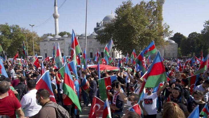 İstanbul'da Azerbaycan'a Destek Gösterisi