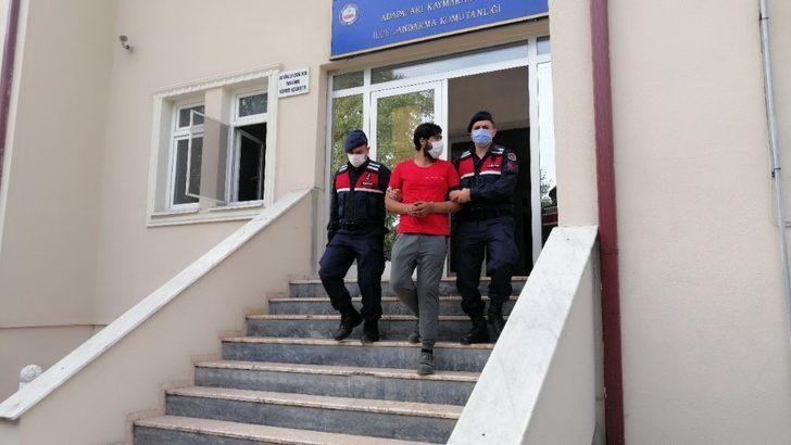 Sakarya'da haklarında kesinleşmiş hapis cezası bulunan 2 hırsız yakalandı