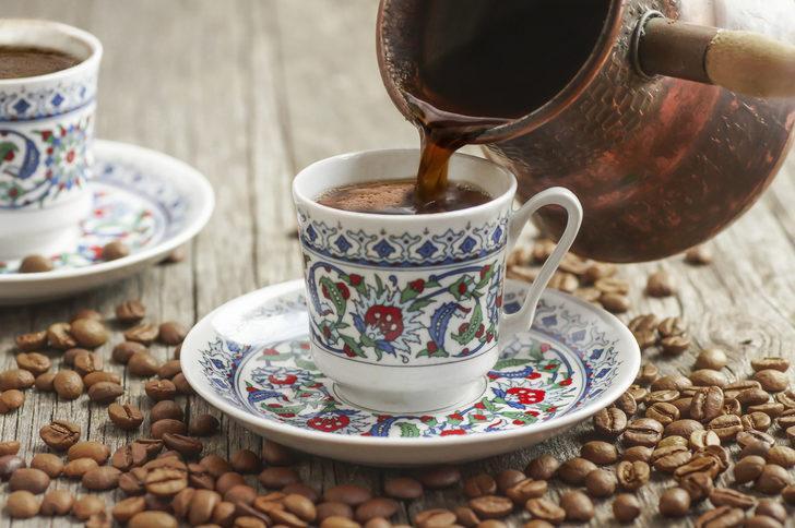 Sabah bir şey yemeden kahve içmek sağlığa zararlı!