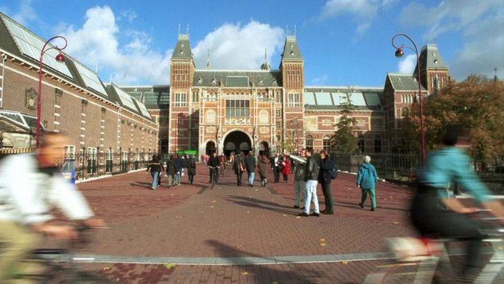 Hollandalı kadın adak için müzeye bağışladığı tabloyu torunu iyileşince geri istedi